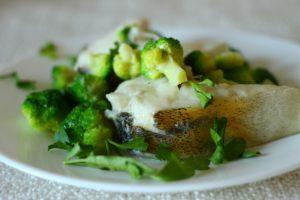 Тушеная рыба с капустой