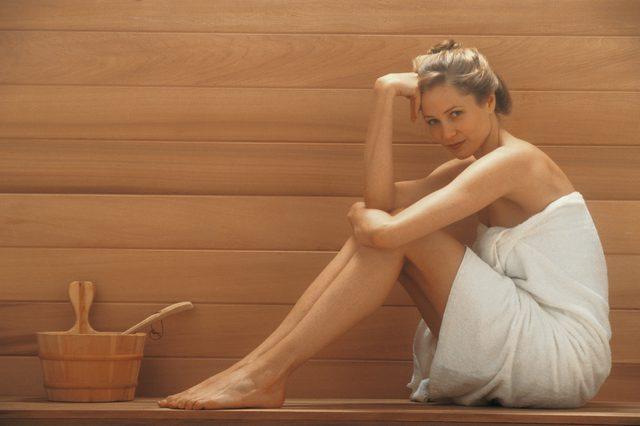 devushka-v-saune